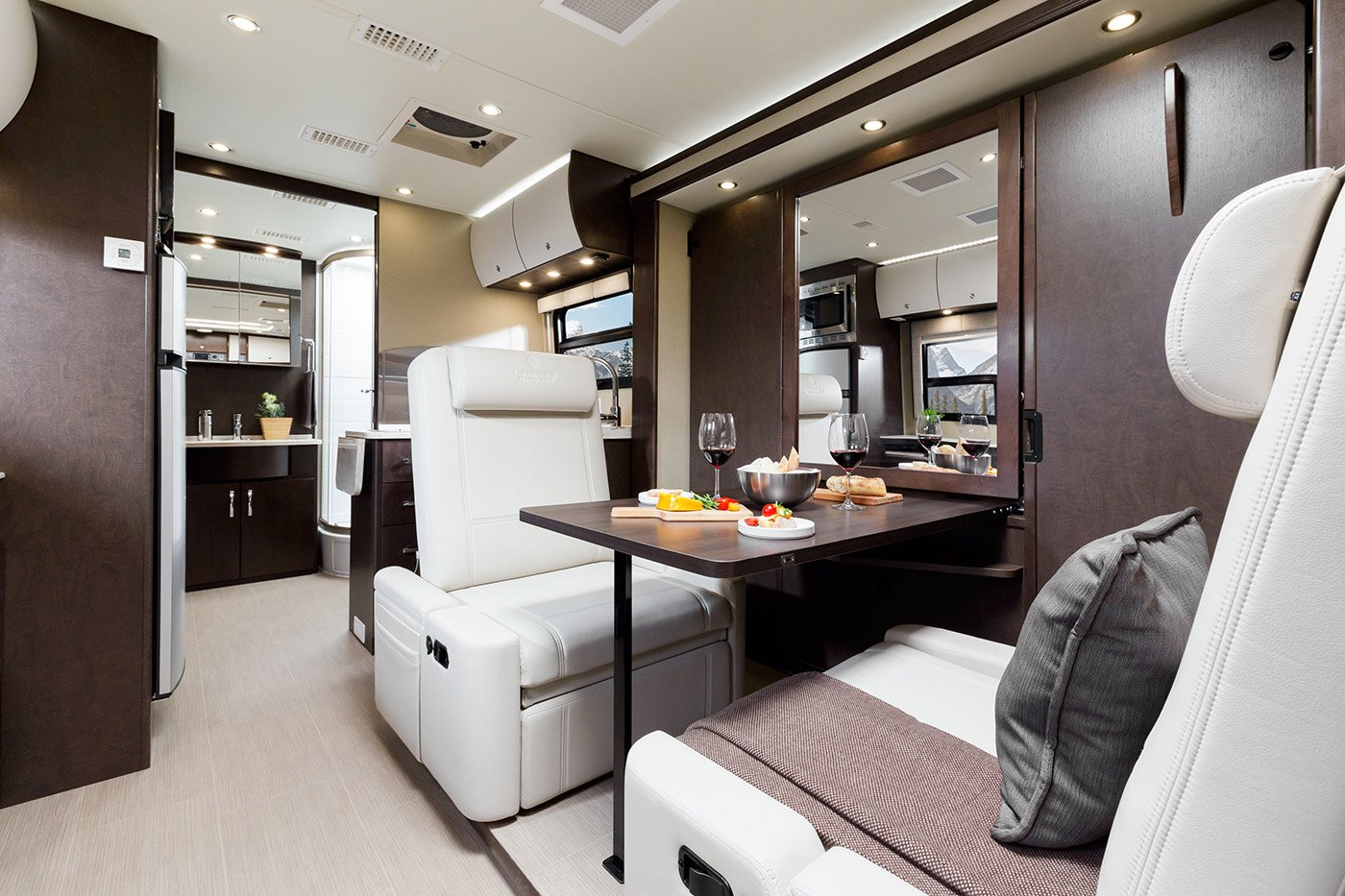 Introducing the 2016 unity u24mb leisure lounge plus for Camion americain interieur