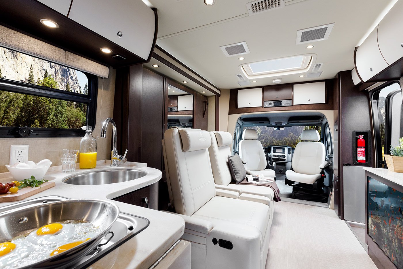Class C Motorhome Floor Plans Introducing The 2016 Unity U24mb Leisure Lounge Plus