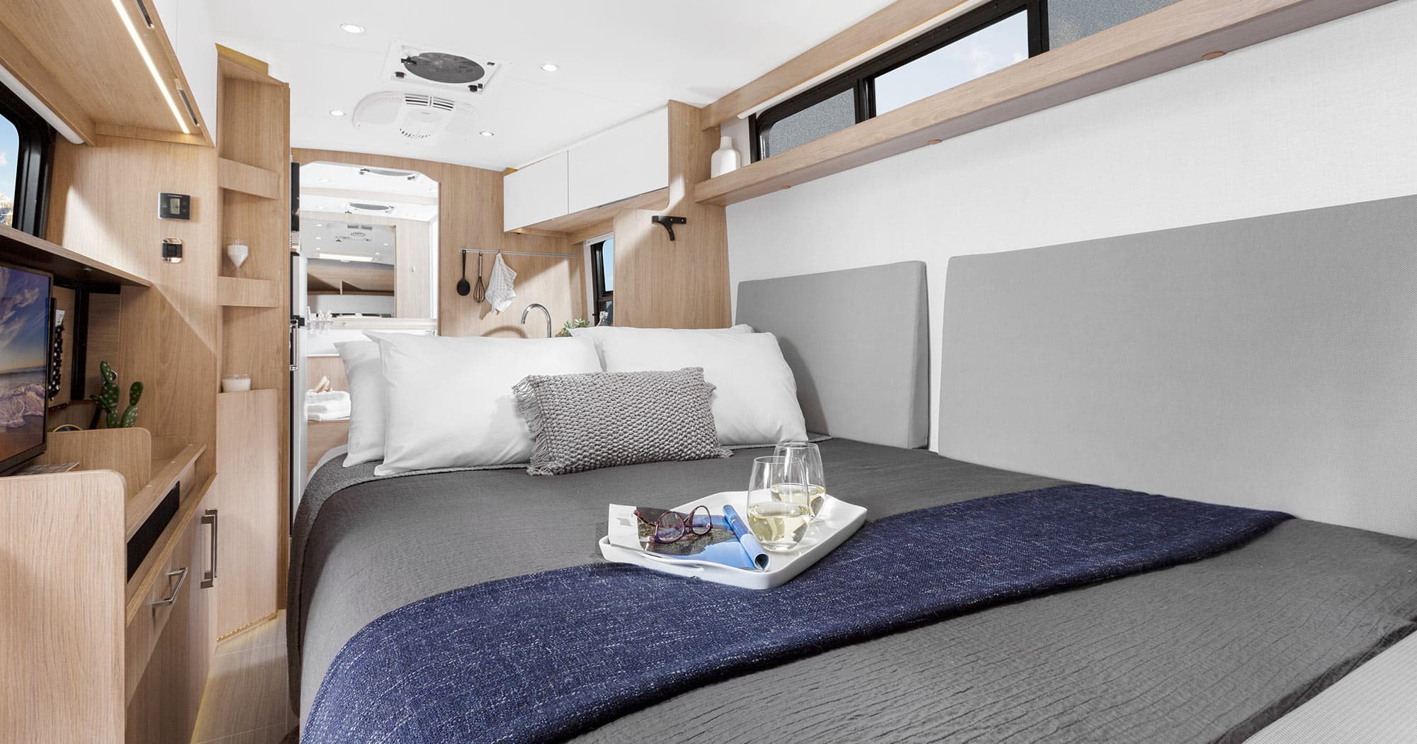 Wonder Features Murphy Bed Leisure Travel Vans