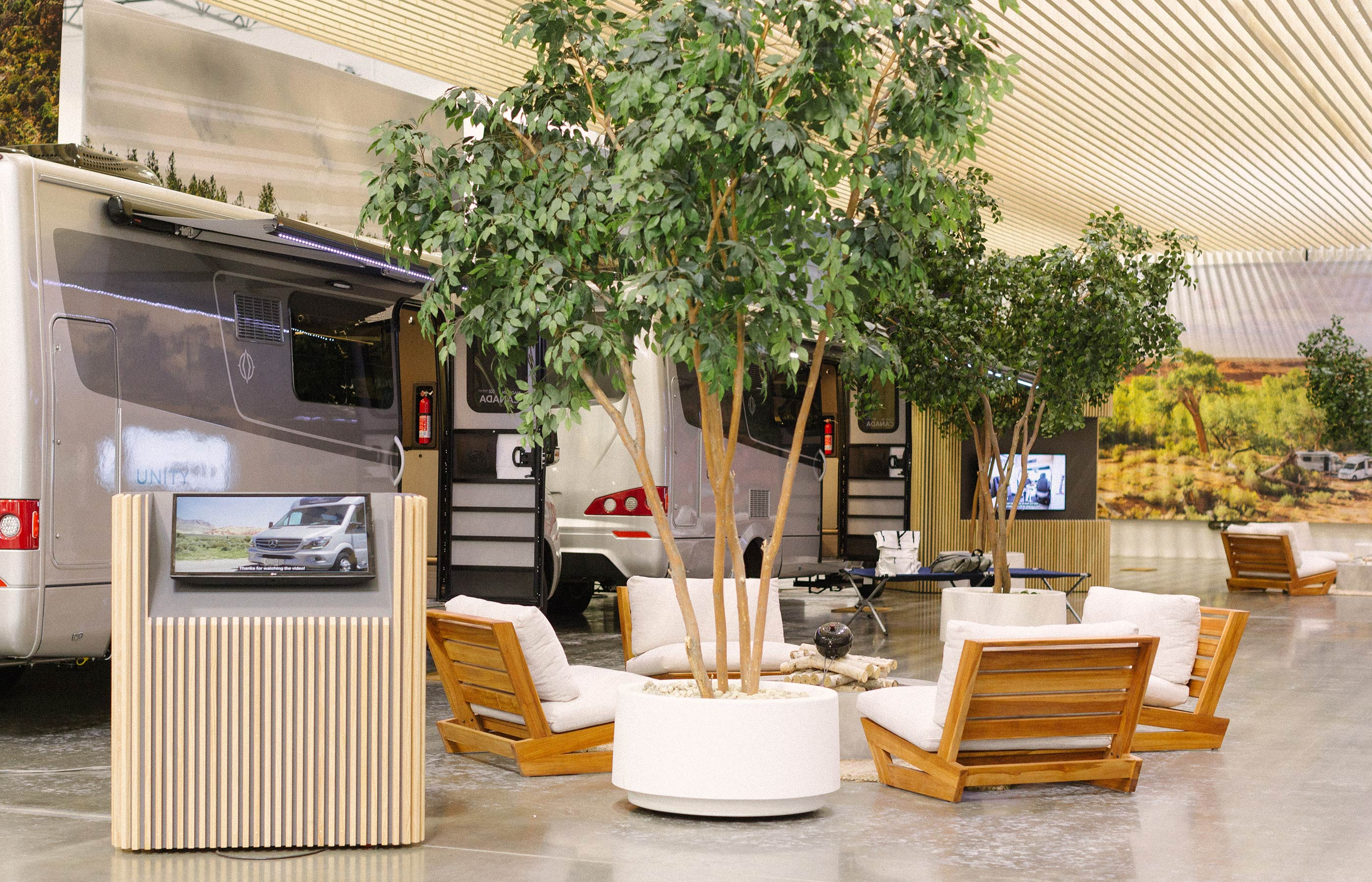 Rv Show California 2020.Manufacturers Rv Show And Sale Leisure Travel Vans