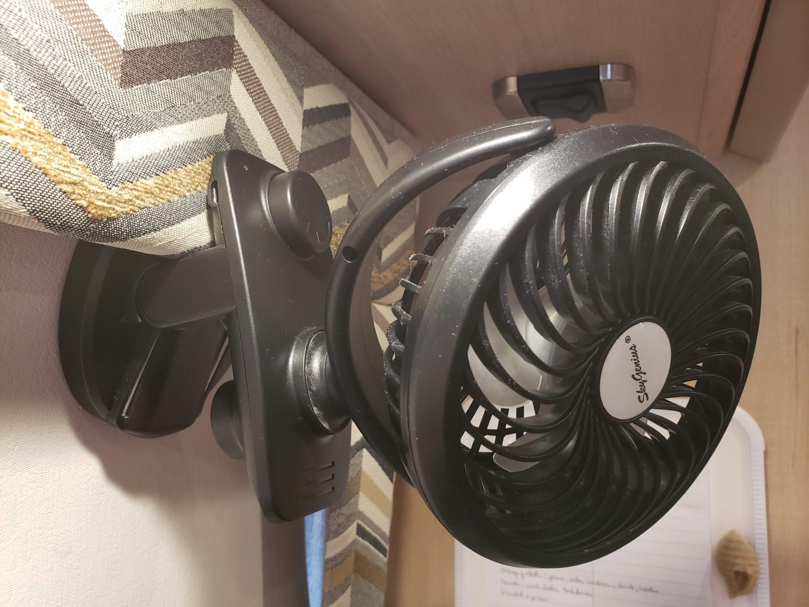 clip-on desk fan